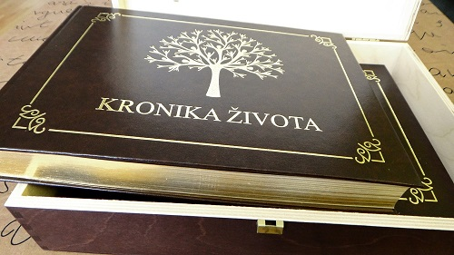luxus-gold-kronika-zivota-box